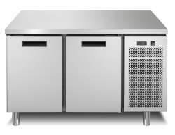Refrigerated counter with 2 doors, volume refrigerated product 172 dm3 -2/+7°C. 2 grids GN-1/1, worktop with rear riser